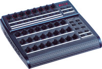 Behringer BCR2000 USB/MIDI-контроллер